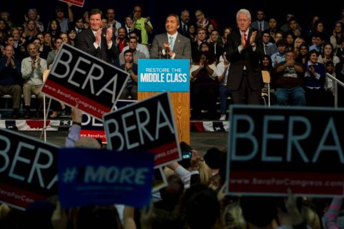 ICYMI: The California Aggie, Sacramento Bee report on President Bill Clinton's rally at UC Davis
